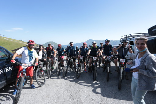 Anche il primo ministro monegasco al taglio del nastro dell'Alta via del Sale, la strada della ripartenza turistica cuneese (VIDEO)