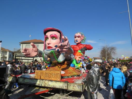 A Settimo un Carnevale di mille colori (GALLERIA FOTOGRAFICA)