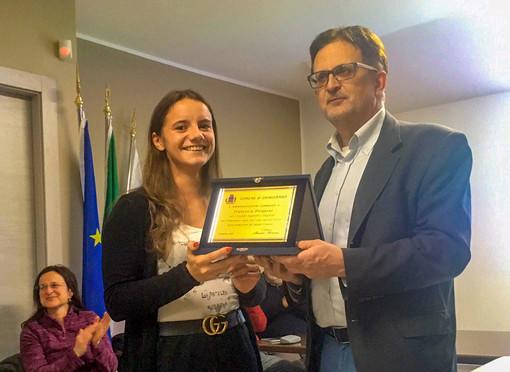 Francesca Pasquino con il sindaco Maurizio Fiorentini