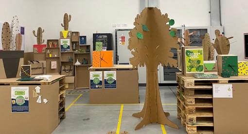 L'arte del riciclo creativo conquista il centro Amazon di Torrazza Piemonte