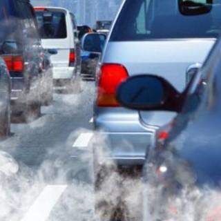 Tavolo sulla qualità dell'aria, 4 Comuni in più con i blocchi: ipotesi di inasprimento delle misure solo dal gennaio 2021