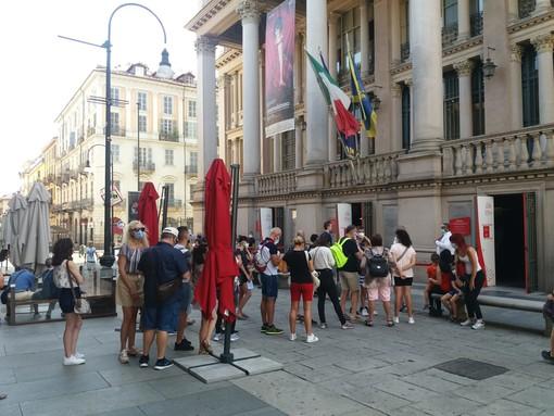 La mattina di Ferragosto Torino sceglie la cultura: in coda per entrare nei musei del centro