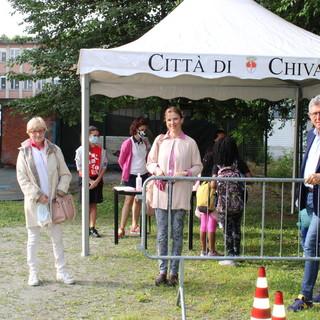 Il sindaco Claudio Castello con Tiziana Siragusa, assessora all'Istruzione e Chiara Casalino, assessora al Bilancio all'apertura dei centri estivi
