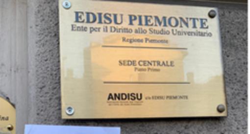 Borsa di studio revocata agli universitari per violazioni gravi del regolamento di Ateneo: polemica in Regione