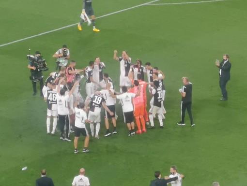 Ronaldo e Bernardeschi firmano la vittoria che vale lo scudetto: la Juve batte la Samp e può festeggiare