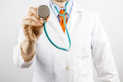 Chivasso, una raccolta fondi per regalare entro un mese mille saturimetri a medici e pediatri