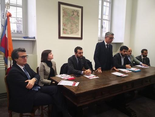 """Azzardo in Piemonte, Pd: """"La Lega vuole abolire l'obbligo di distanza da scuole e banche: impatto disastroso, nuova impennata di giocatori"""""""
