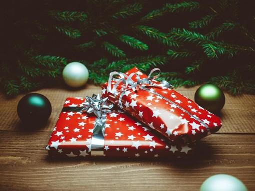 """Ombre sul Natale, ma gli artigiani attaccano: """"Prodotti locali, non arricchiamo Amazon"""""""