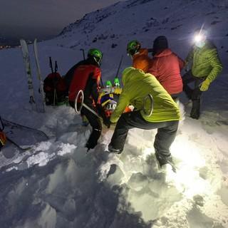 Intervento sulla neve da parte del soccorso alpino