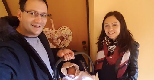 """La vita più forte del Coronavirus, il sindaco diventato papà ai tempi del Covid-19: """"Vi racconto la mia esperienza"""" [VIDEO]"""