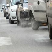 Coronavirus, la Regione chiede la revoca dei blocchi auto e la libera circolazione fino al 29 febbraio