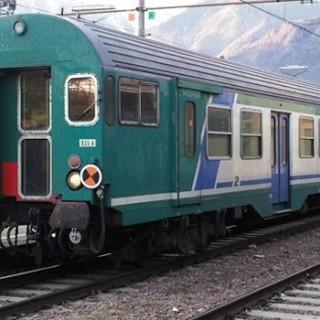 Treno - immagine d'archivio