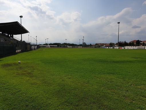 Volpiano, rifacimento in erba sintetica per i campi da calcio di via San Grato